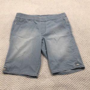 Pull On Capri Shorts